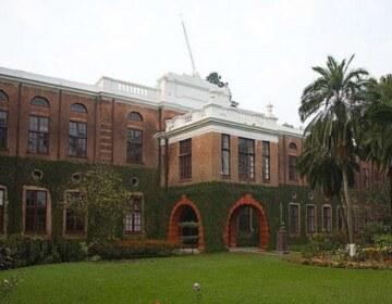 What is it like to study at The Doon School? Why should one study at the doon school? Is the campus and facilities at par with Mayo College and Scindia School?